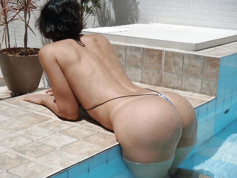 Geile Frauen sind im Bett und am Pool. - Bild 10