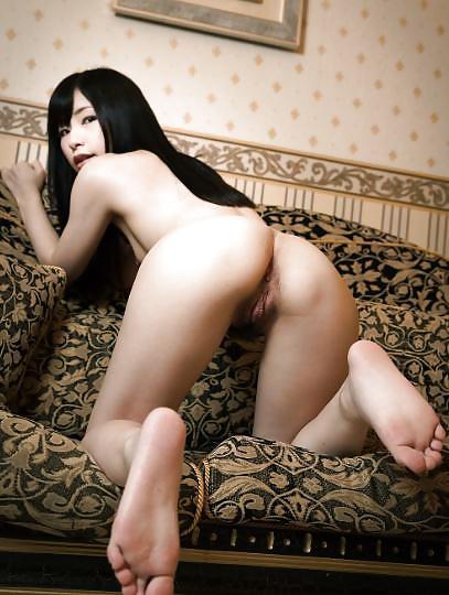 Geile asiatische Huren zeigen ihren nackten Arsch. - Bild 5