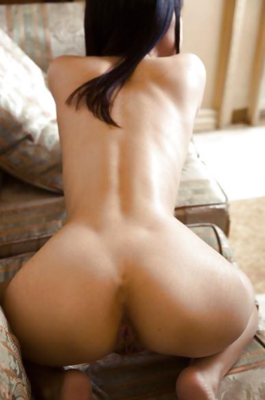 Geile asiatische Huren zeigen ihren nackten Arsch. - Bild 6