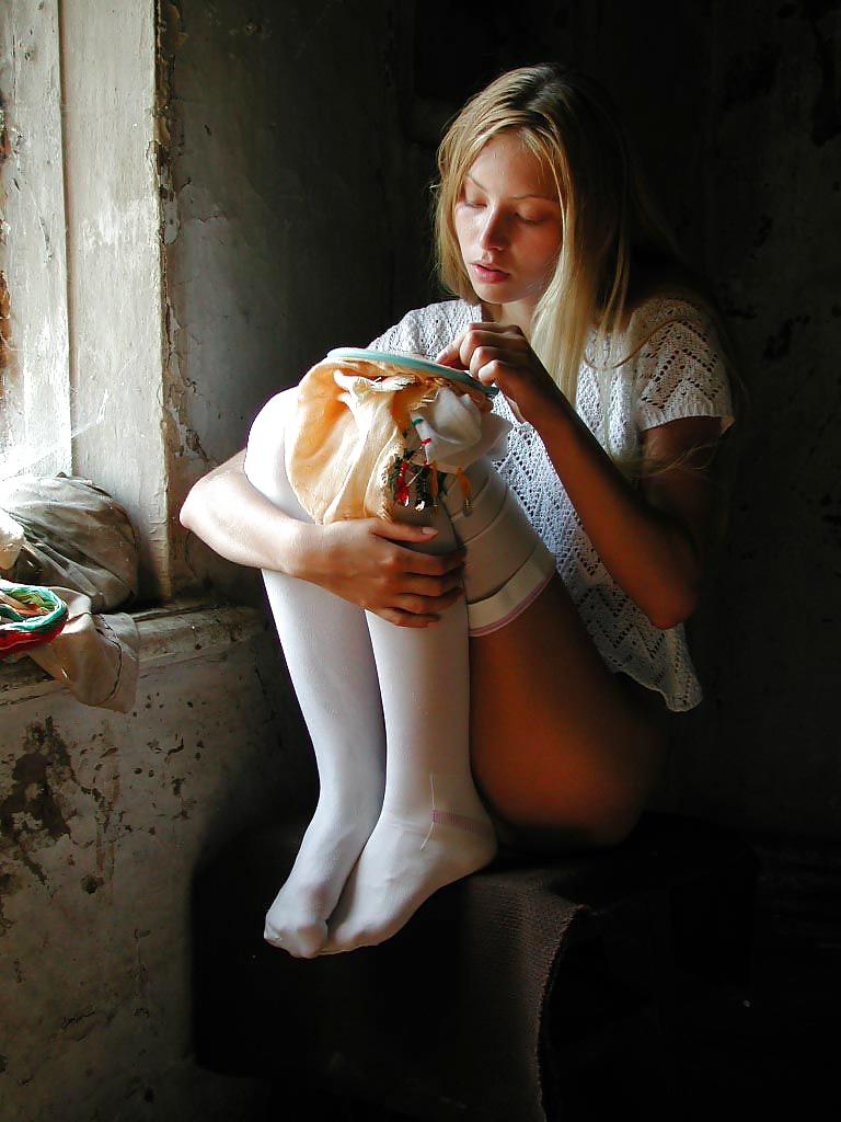 Die dünne Fotze ist im Russland. - Bild 10