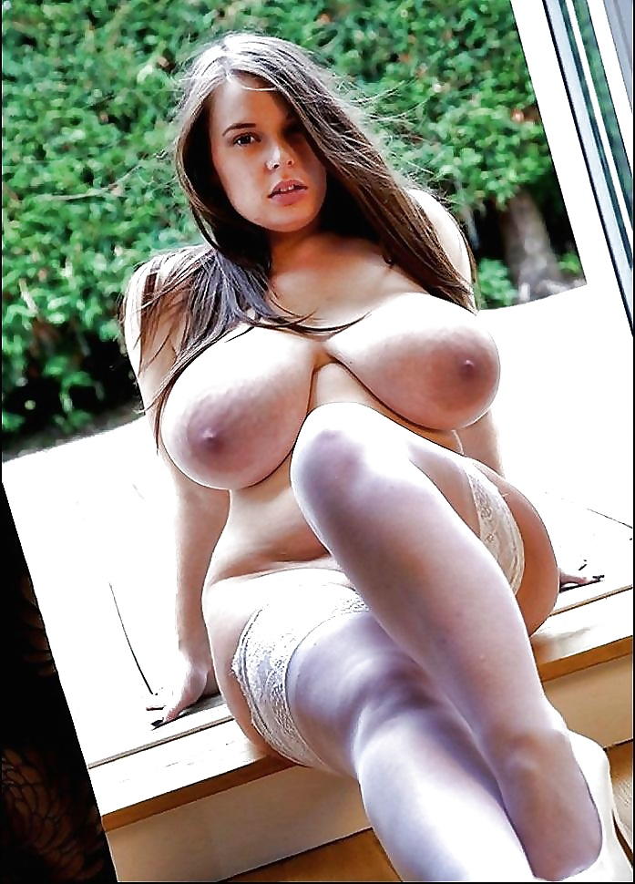 Nackte dicke Titten beachtet auf dem Bild. - Bild 2