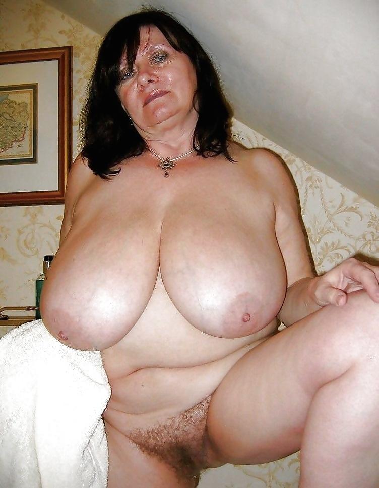 Nackte dicke Titten beachtet auf dem Bild. - Bild 6