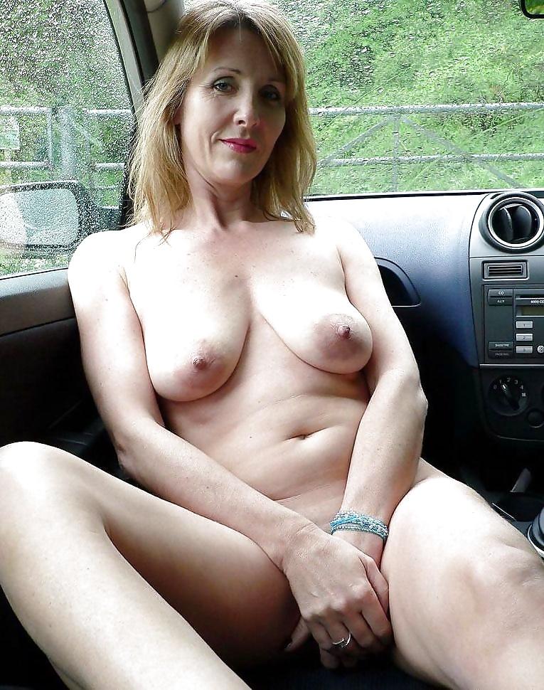 Dicke nackte Titten ist zu Hand. - Bild 4