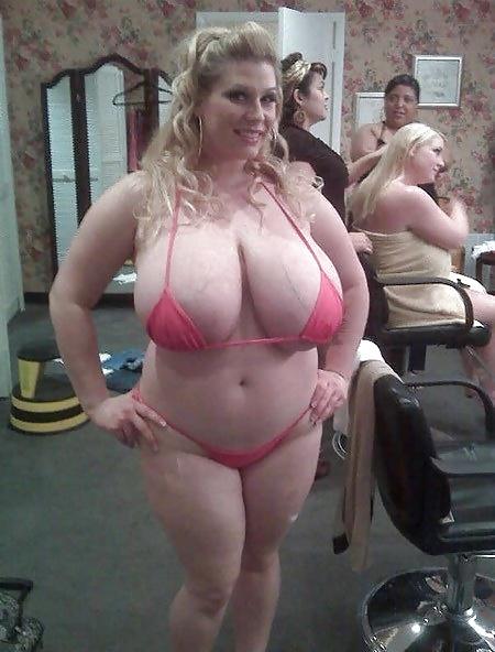 Amateure dicke Muschis sind stolz auf ihren Körper. - Bild 2