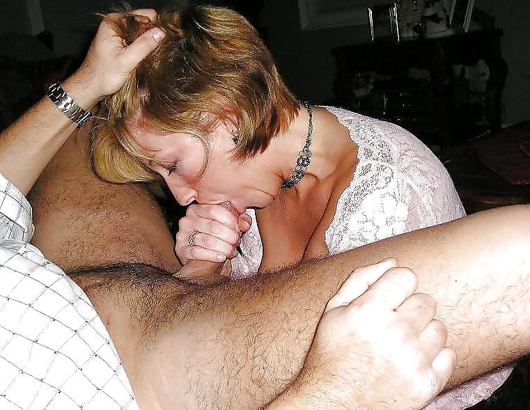 Jeder Pimmel steht schnell auf, wenn die Schlampe in ihren Mund nimmt. - Bild 10