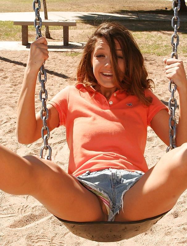 Geiles Mädchen will Schwanz irgendwohin. - Bild 3