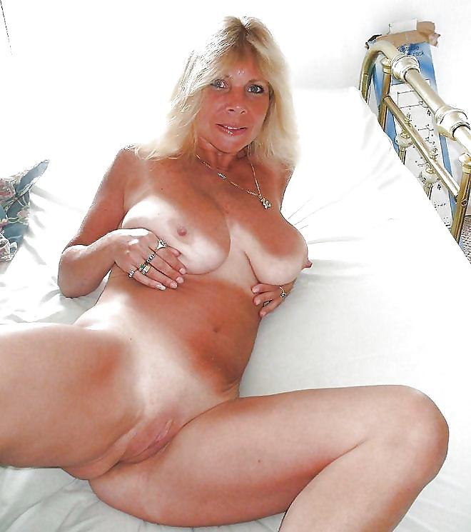 Milf Frauen wollen Schwanz zwischen ihren Titten. - Bild 3