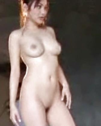 Nackte asiatische Titten und behaarte Muschi widg gefotografiert. - Bild 4
