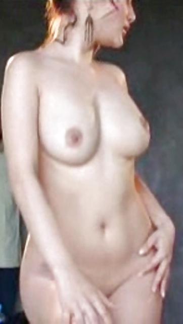 Nackte asiatische Titten und behaarte Muschi widg gefotografiert. - Bild 9