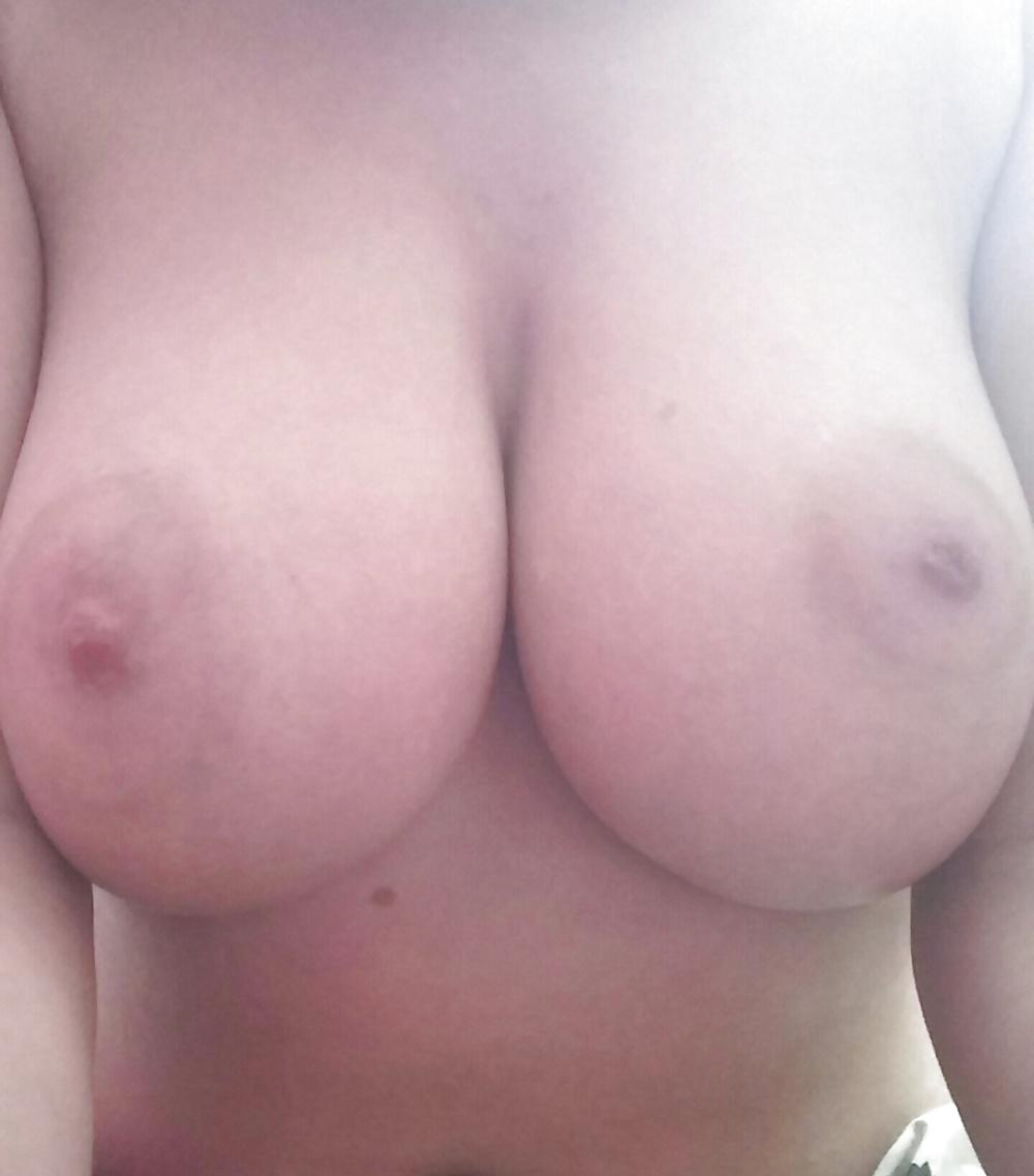 Die Titten sind wichtiges Zübehür zum Fick. - Bild 2